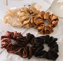 Load image into Gallery viewer, Autumn Scrunchie