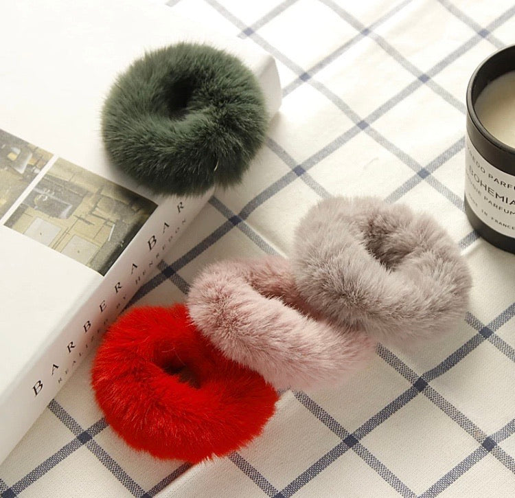 Deluxe Fur Winter Scrunchies