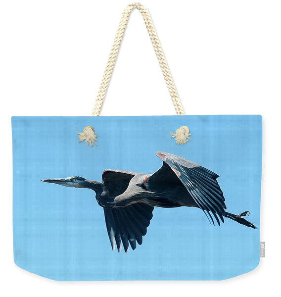 Great Blue Heron In Flight - Weekender Tote Bag