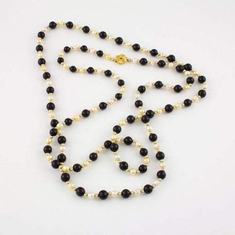Extra Long Necklace in Black Jade and Pearls