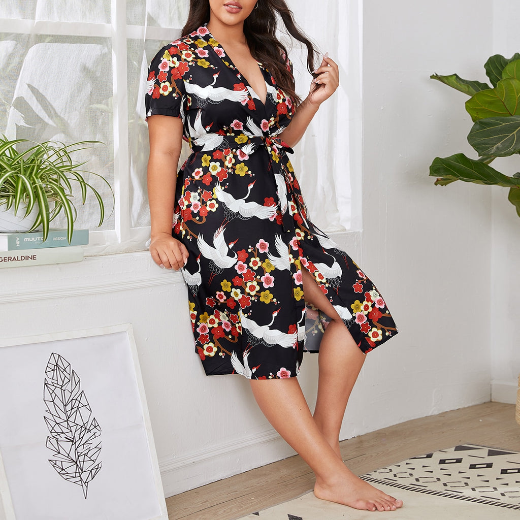Plus Floral And Crane Print Belted Robe