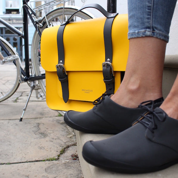 Lazyload Yellow cycle satchel with Tracey Neuls shoes