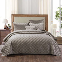 "Load image into Gallery viewer, ""Davis"" Coverlet Bedspread Set"