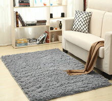 "Load image into Gallery viewer, ""Super Shag"" Modern high-pile shag rug"