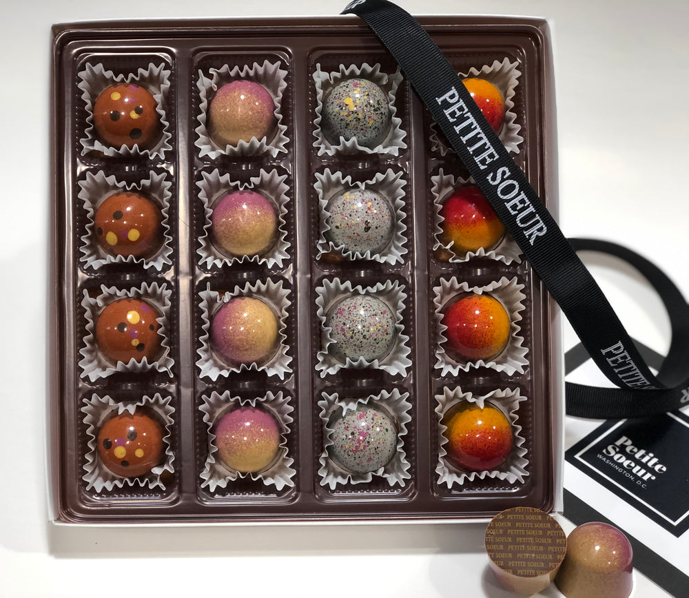 16 PIECE SIGNATURE BONBON BOX