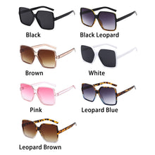 Load image into Gallery viewer, KattLovers® ALASKA · Women's Oversized Sunglasses