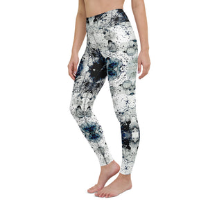 Móro High Waisted Yoga Legging by adaneth