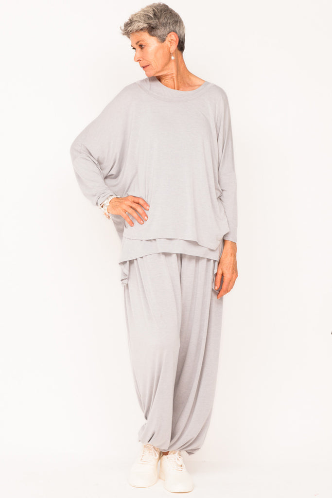 healthy-aging-menopause-workout-clothes-womens-tracksuit