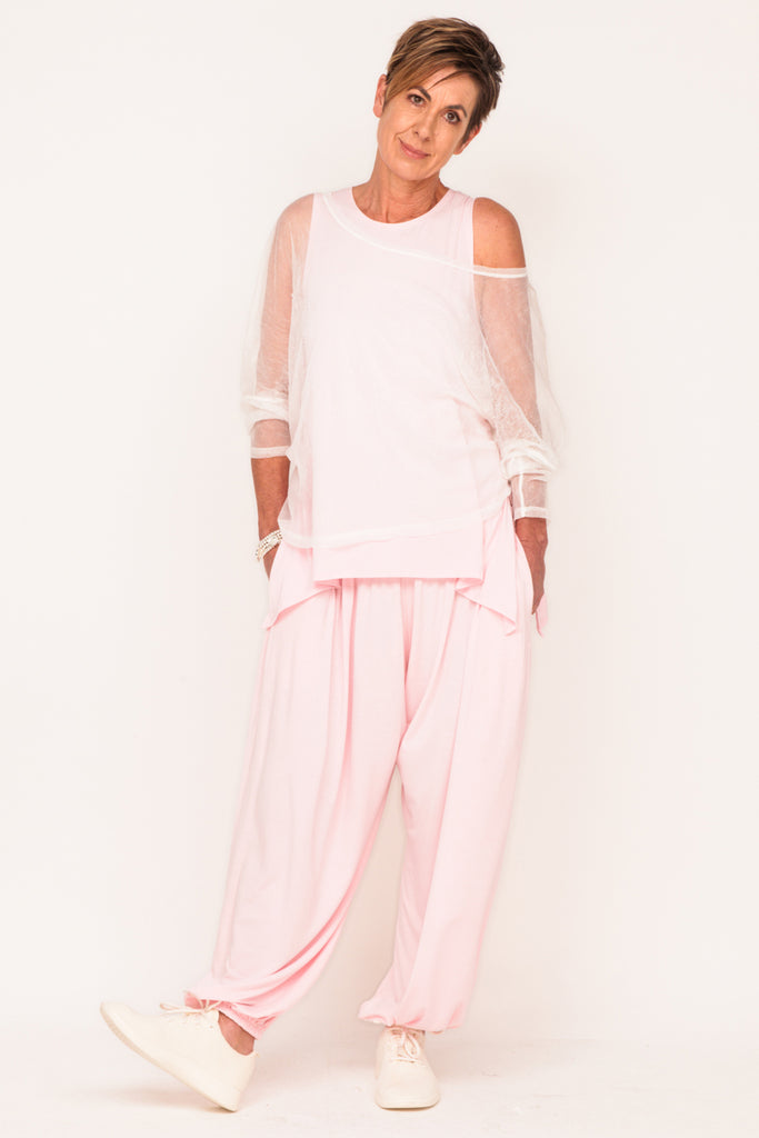 pink-tank-pink-track-pant-white-mesh-boxy-sweater-women-over-50-fashion