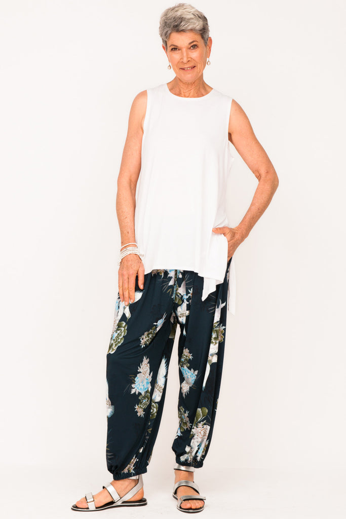designer-active-wear-older-women-track-pant-white-tank-top