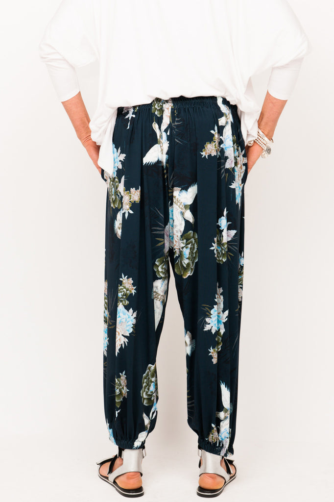 designer-active-wear-older-women-track-pant-resort-wear-for-ladies