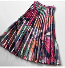 Load image into Gallery viewer, The Chrissie Abstract Skirt