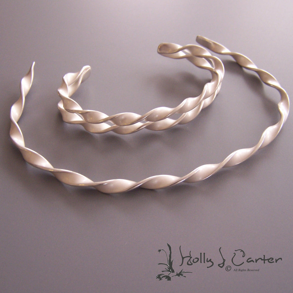 twist sterling silver choker necklace & bracelet set by holly j carter