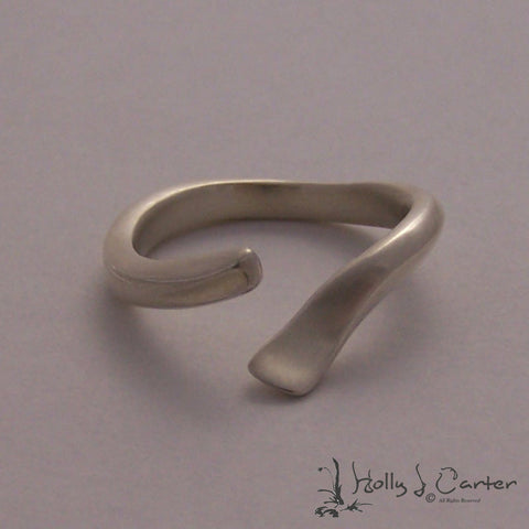 The Wave Sterling Silver Ring