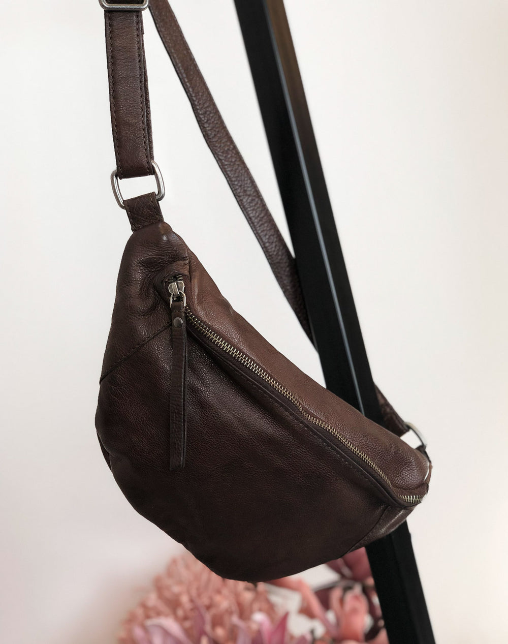 RE:Designed Mette bumbag dark brown