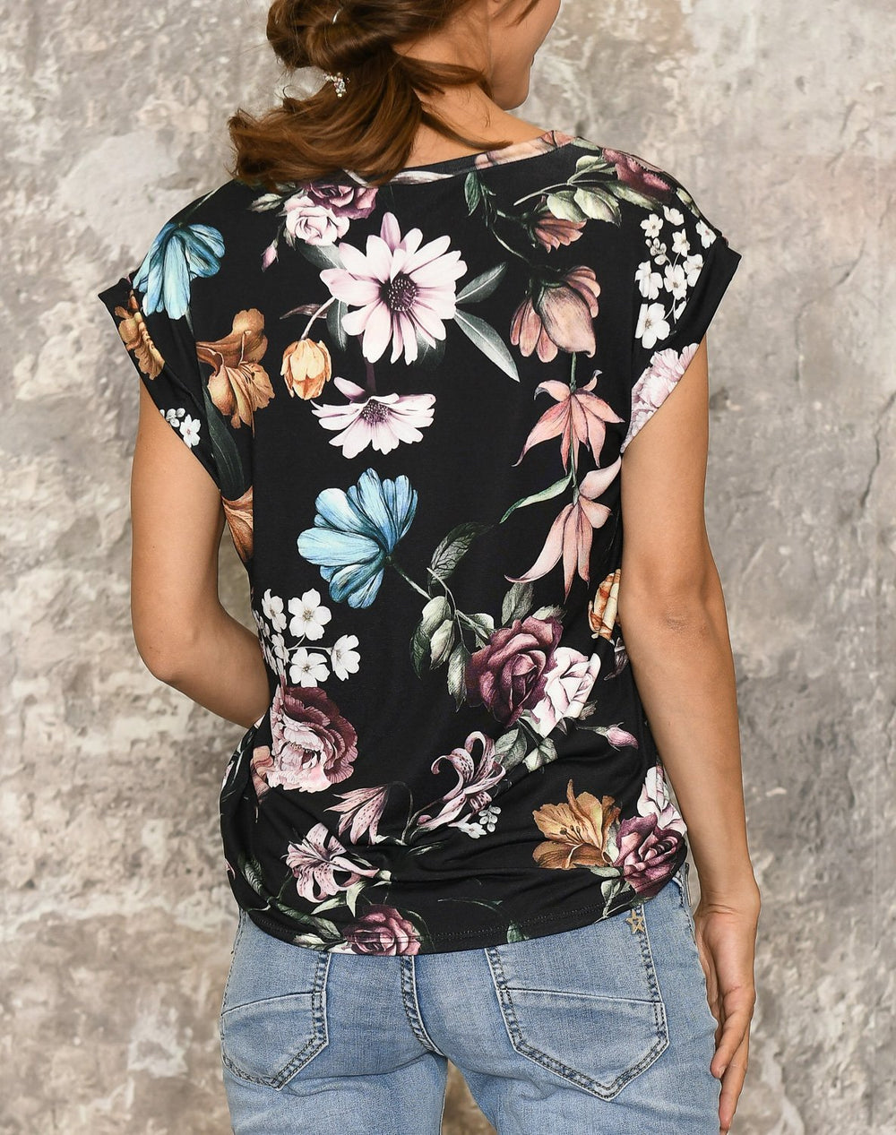 Camille t-shirt 6 black flower mix - Online-Mode