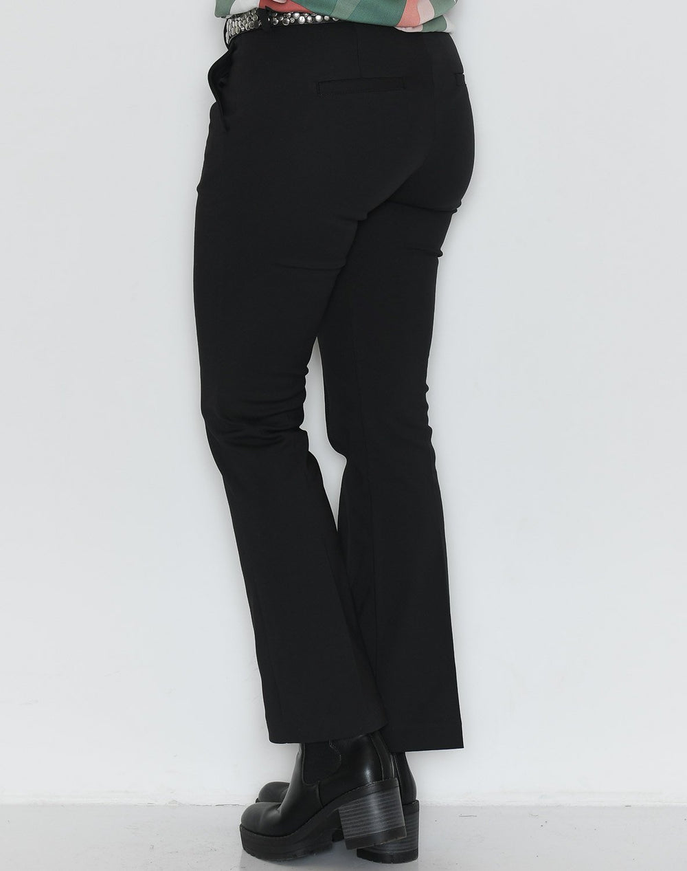 Dranella DRvigga 5 flared pants black - Online-Mode