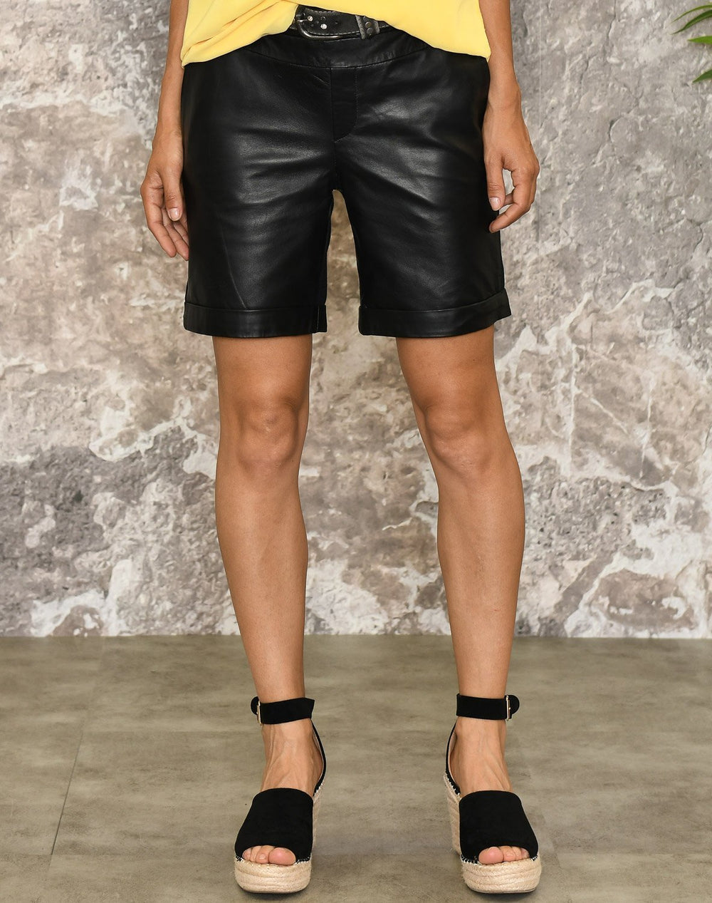 Kaffe KAsofie leather shorts black deep - Online-Mode