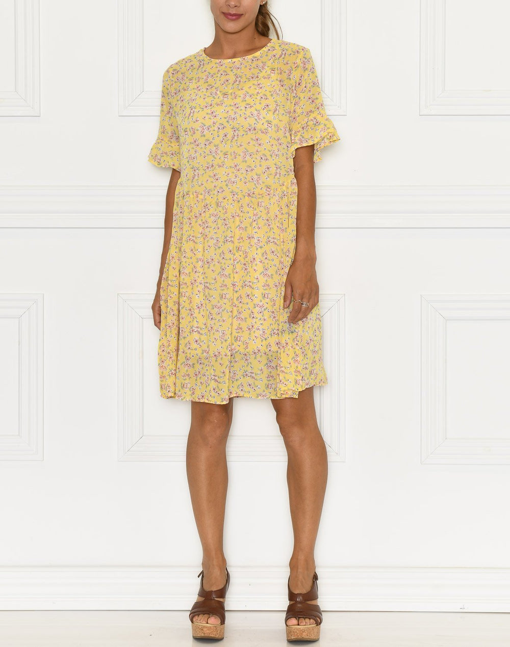 Liberté Trine dress yellow - Online-Mode