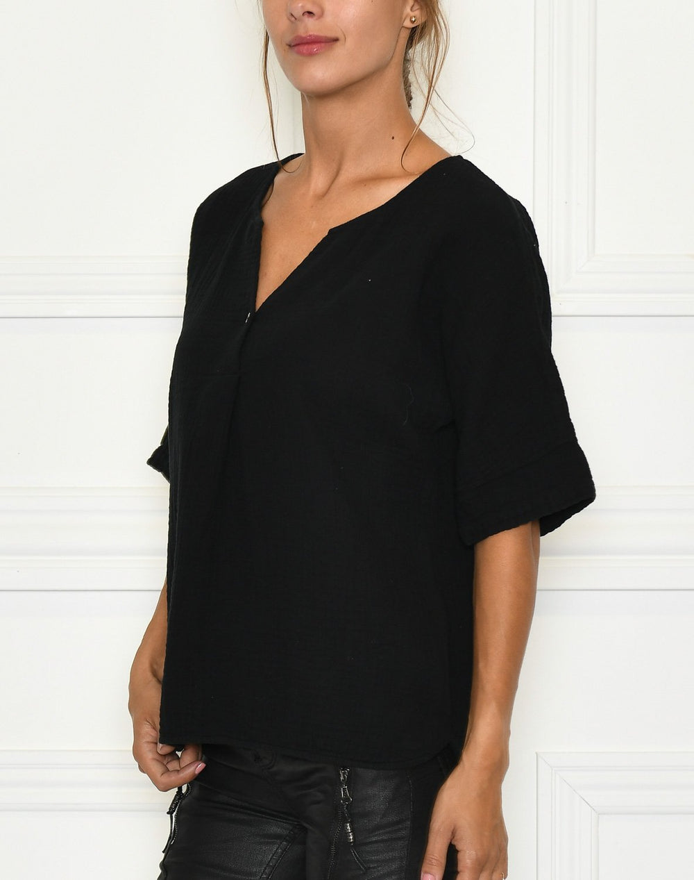 Luxzuz Helia blouse black - Online-Mode