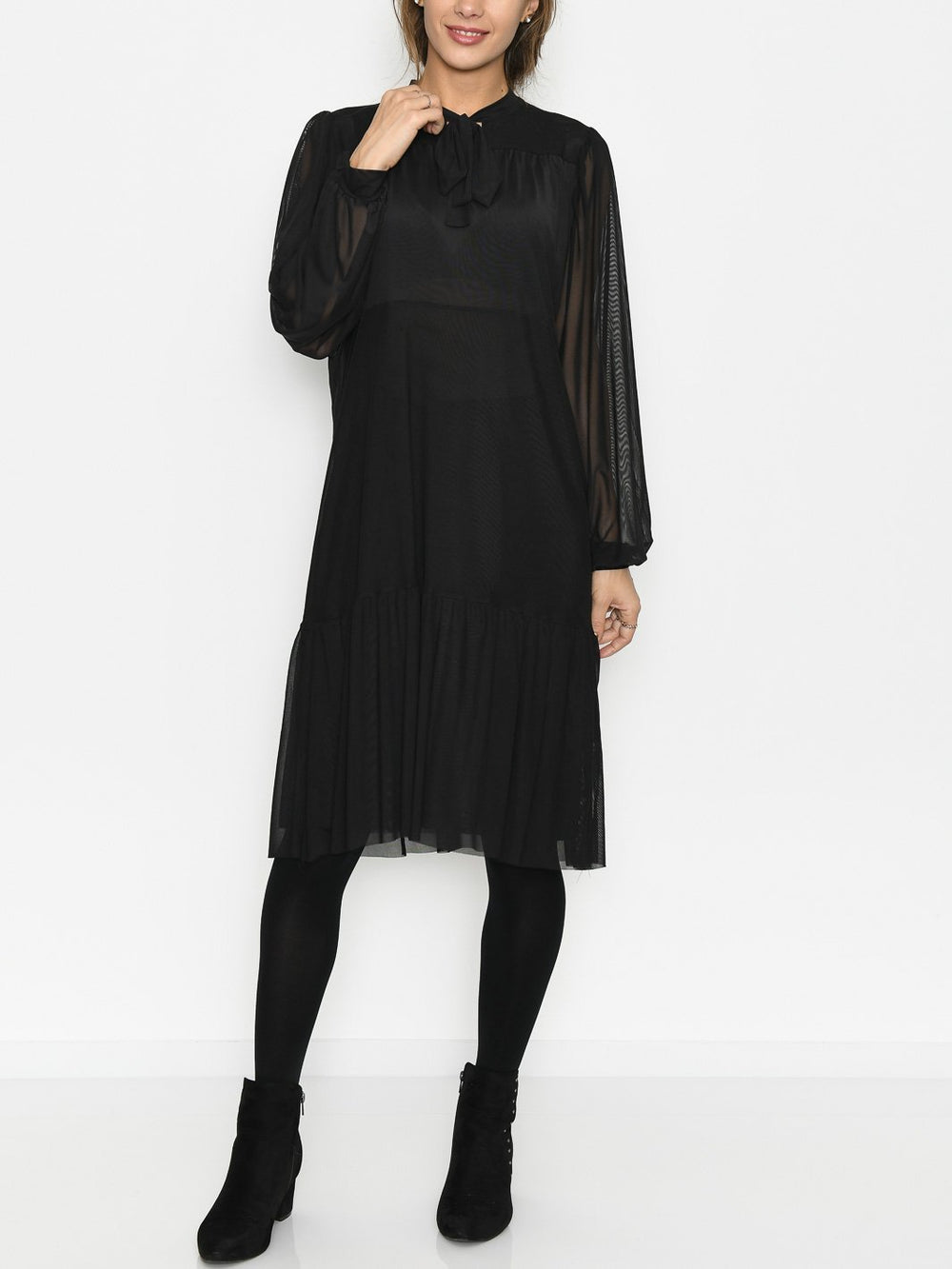 Luxzuz Salca dress black - Online-Mode