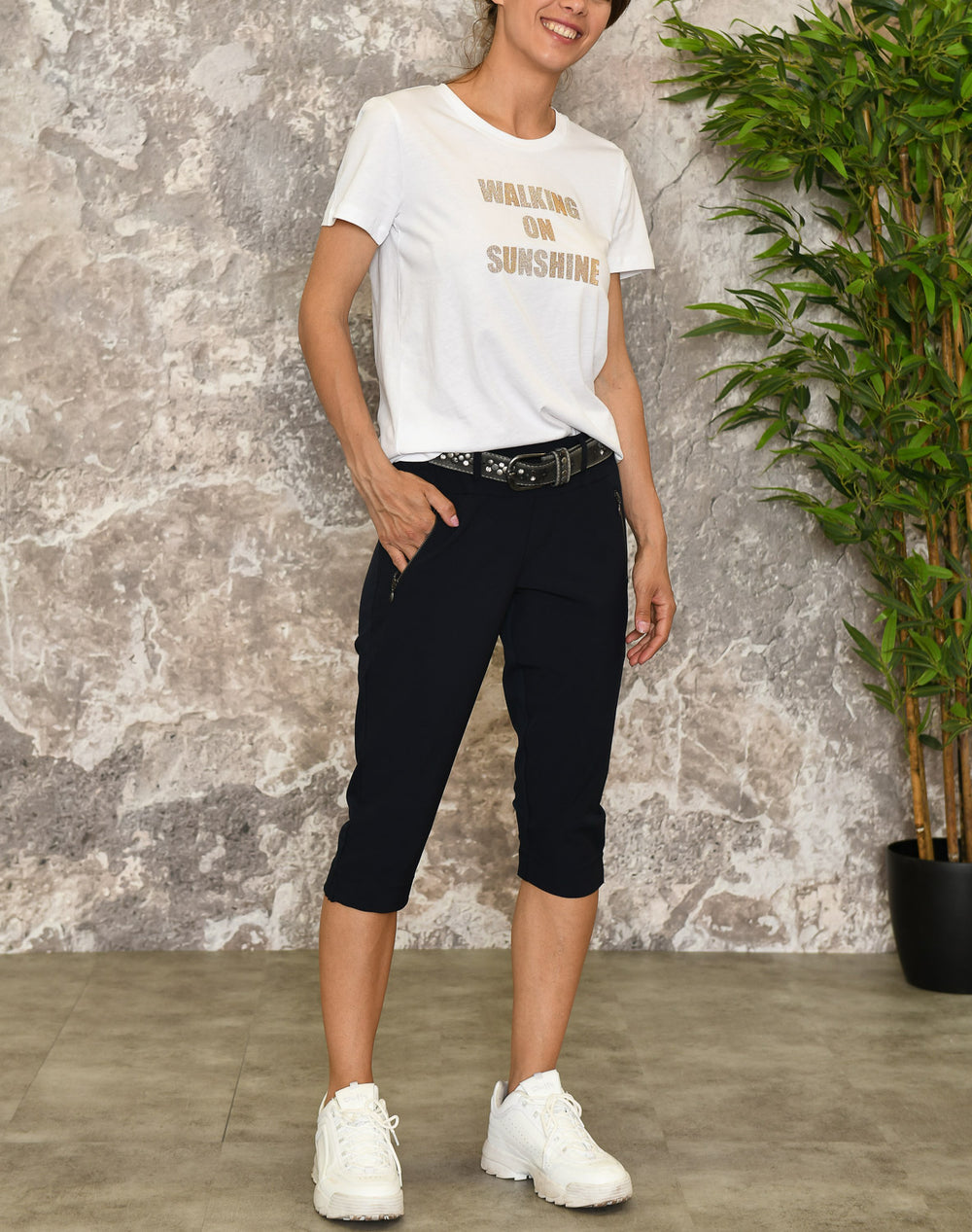 Kaffe KAjillian Vilja capri pants midnight marine
