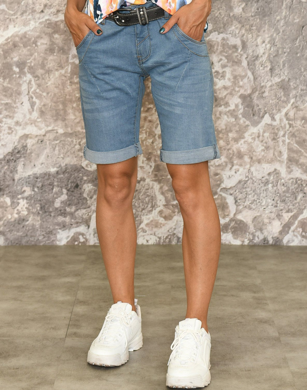Ofelia Lucy shorts light blue - Online-Mode