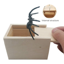Load image into Gallery viewer, Spider Prank Box