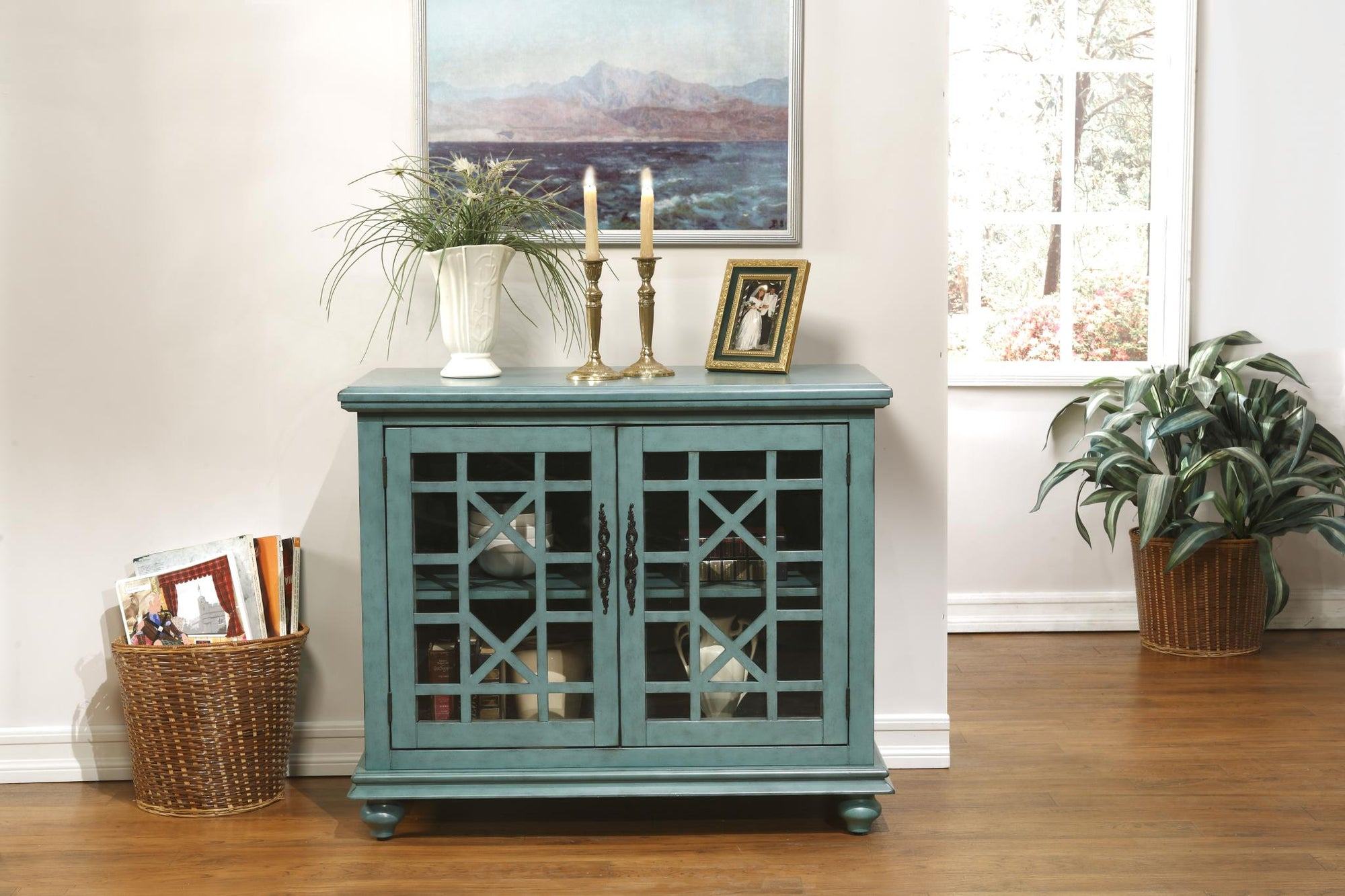 Small Spaces TV Stand / Console Table