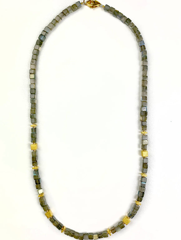 Cunello Labradorite Necklace