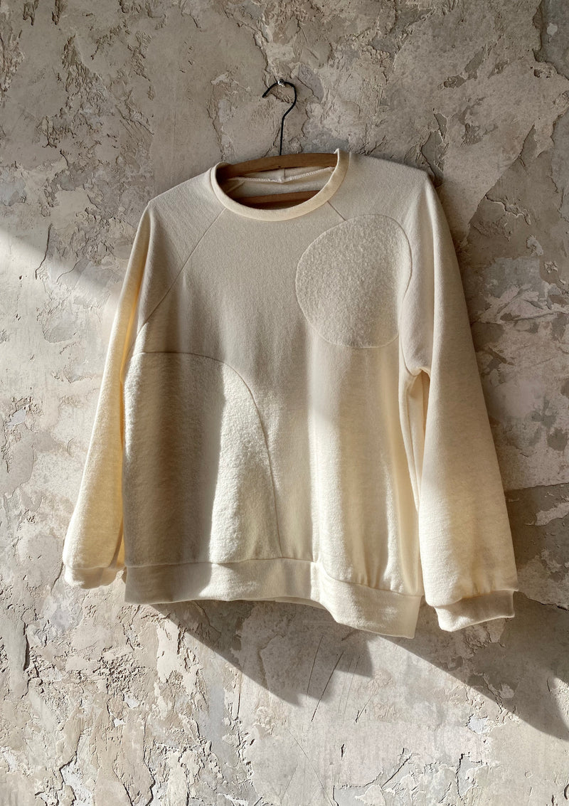 24/100 Texture Landscape Pullover in Cream, Large