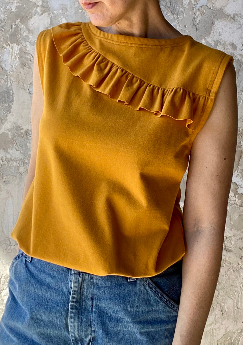 64/100 Sleeveless Top with Ruffle, Small