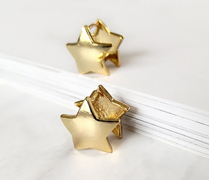 Ro Double Sided Star Studs