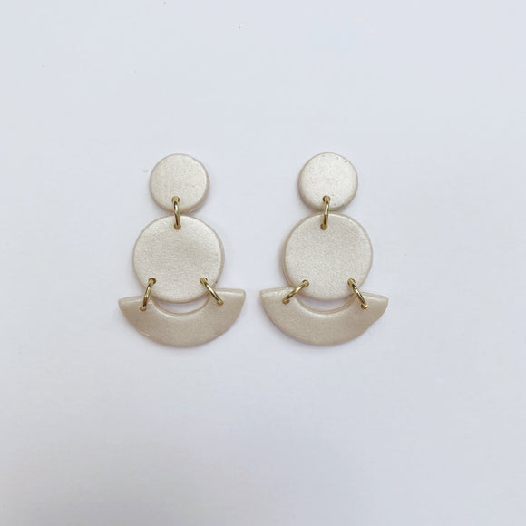 Mini Grace Studs in Pearl