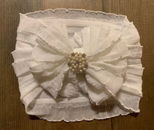 Load image into Gallery viewer, Ruffle headband- Pearls