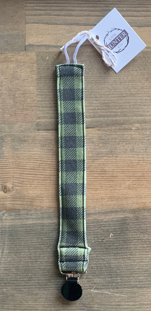 Organic Cotton Soother Clip-Green Plaid