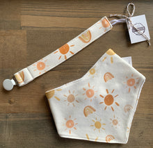Load image into Gallery viewer, Organic Cotton Soother Clip-Mr Golden Sun & Rainbow