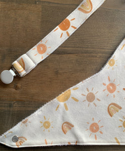 Organic Cotton Soother Clip-Mr Golden Sun & Rainbow