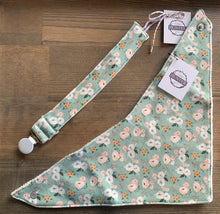 Load image into Gallery viewer, Organic Cotton Bib- Sadie Flora