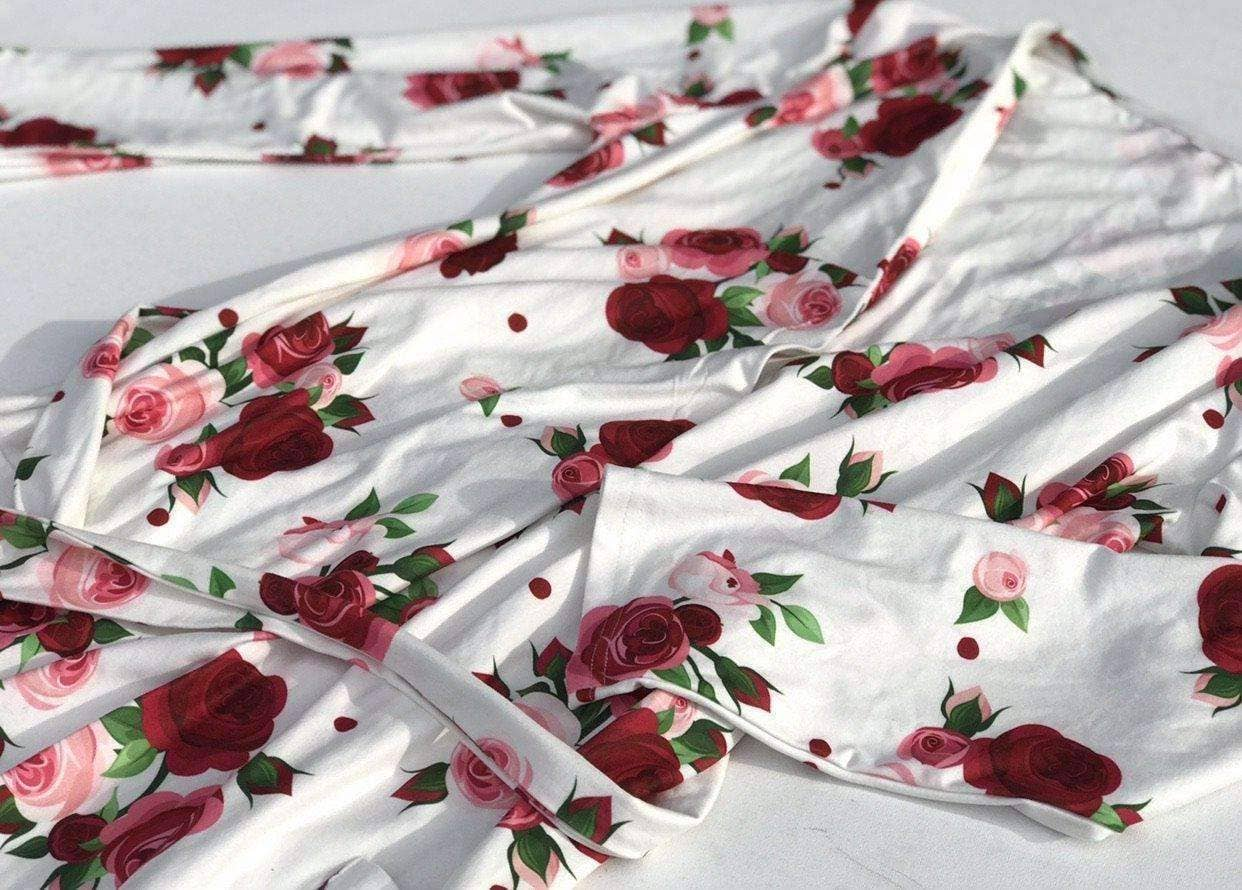 Delicate Red Roses Robe