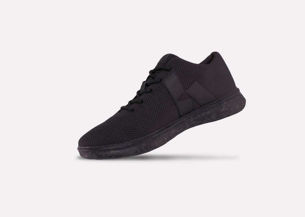 AV1 - Mens Black Upper.
