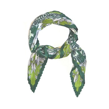 Clover and Heart Pleated Neck Tie in Greens and Yellow