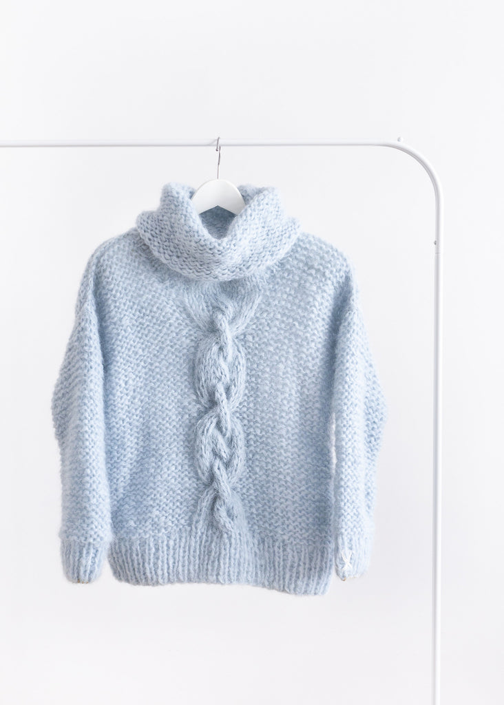 Handmade turtle neck pull-over // Ice blue