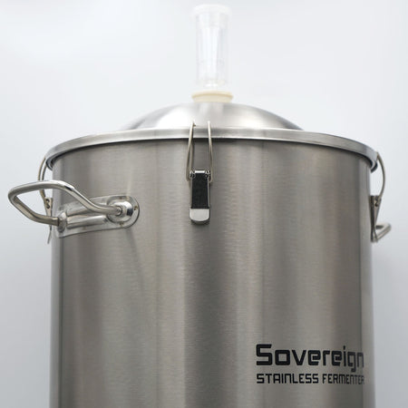 Sovereign Stainless Steel Fermentor Integrated silicone lid seal with heavy duty clasps