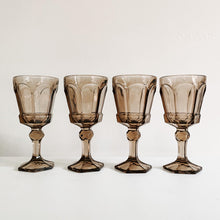 Load image into Gallery viewer, Set of 4 Smoked Wine Goblets