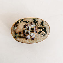 Load image into Gallery viewer, Floral Inlay Pill Box
