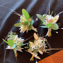 Load image into Gallery viewer, Fresh Floral Boutonnieres