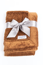 Load image into Gallery viewer, Saranoni Lush Receiving Blanket - Camel