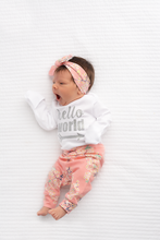 Load image into Gallery viewer, Gigi and Max Hello World Long Sleeve Newborn Set - Pink Floral