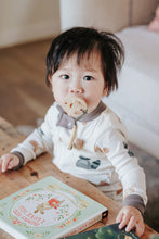 Load image into Gallery viewer, Dapper + Queen The Smokk Pacifier - Mocha